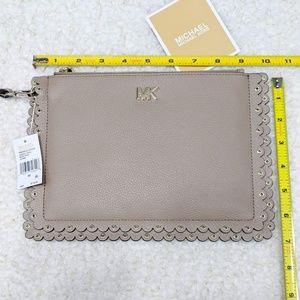 MICHAEL Michael Kors Bags - Michael Kors Scallop Wristlet Zip Leather Pouch